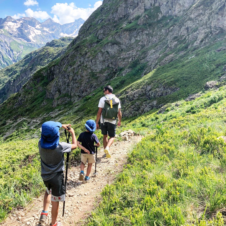 帶著孩子們爬山七小時